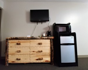 King - Log Cabin Style Room Photo 8