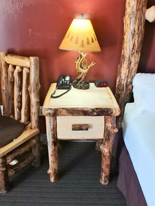 King - Log Cabin Style Room Photo 4