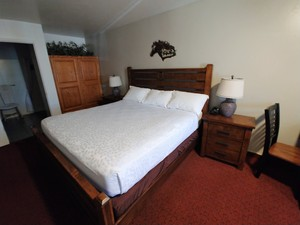 King - Ranch Style Room (Accessible) Photo 1