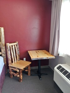 Double Queen Log Cabin Style Room Photo 7